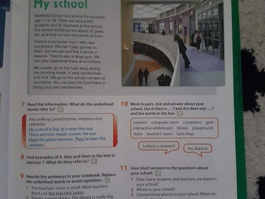 Prezentacja -plakat szkoły według wzoru ze strony 31 zadania 6 - załącznik 1